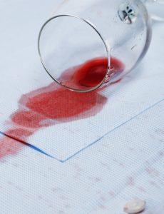 limpiar una mancha de vino